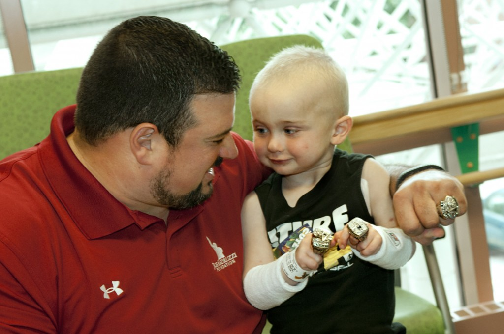 Joe Andruzzi Visits Child Cancer Patient at Hasbro Children